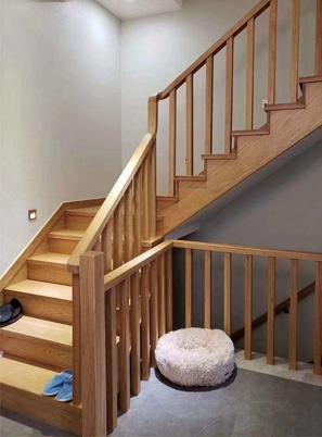 烟台实木楼梯安装