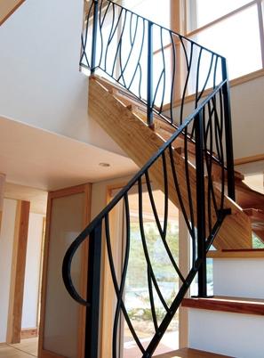烟台钢木楼梯安装