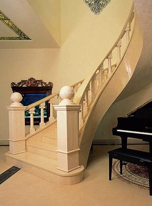 烟台美式钢木楼梯安装
