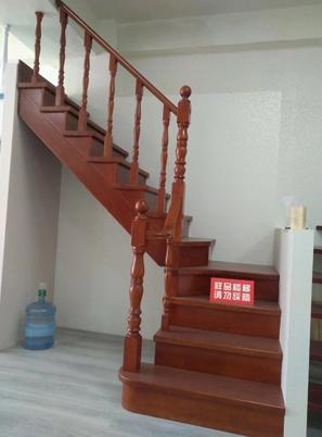 烟台实木楼梯定制